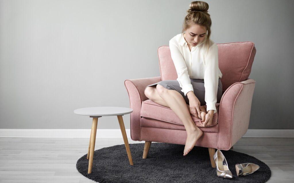 niewygodne buty przyczyną otarcia pięt